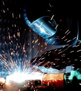 welder using safety mask